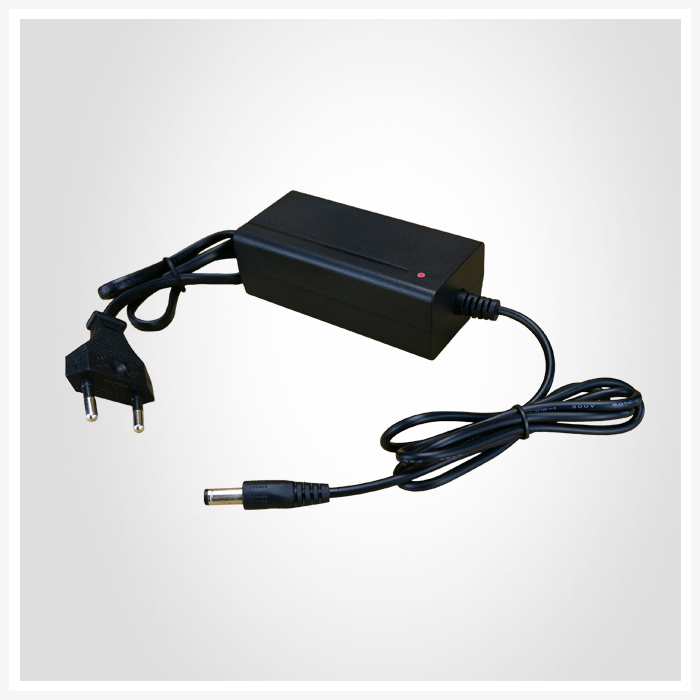 title='DC 12V 1A Adapter'
